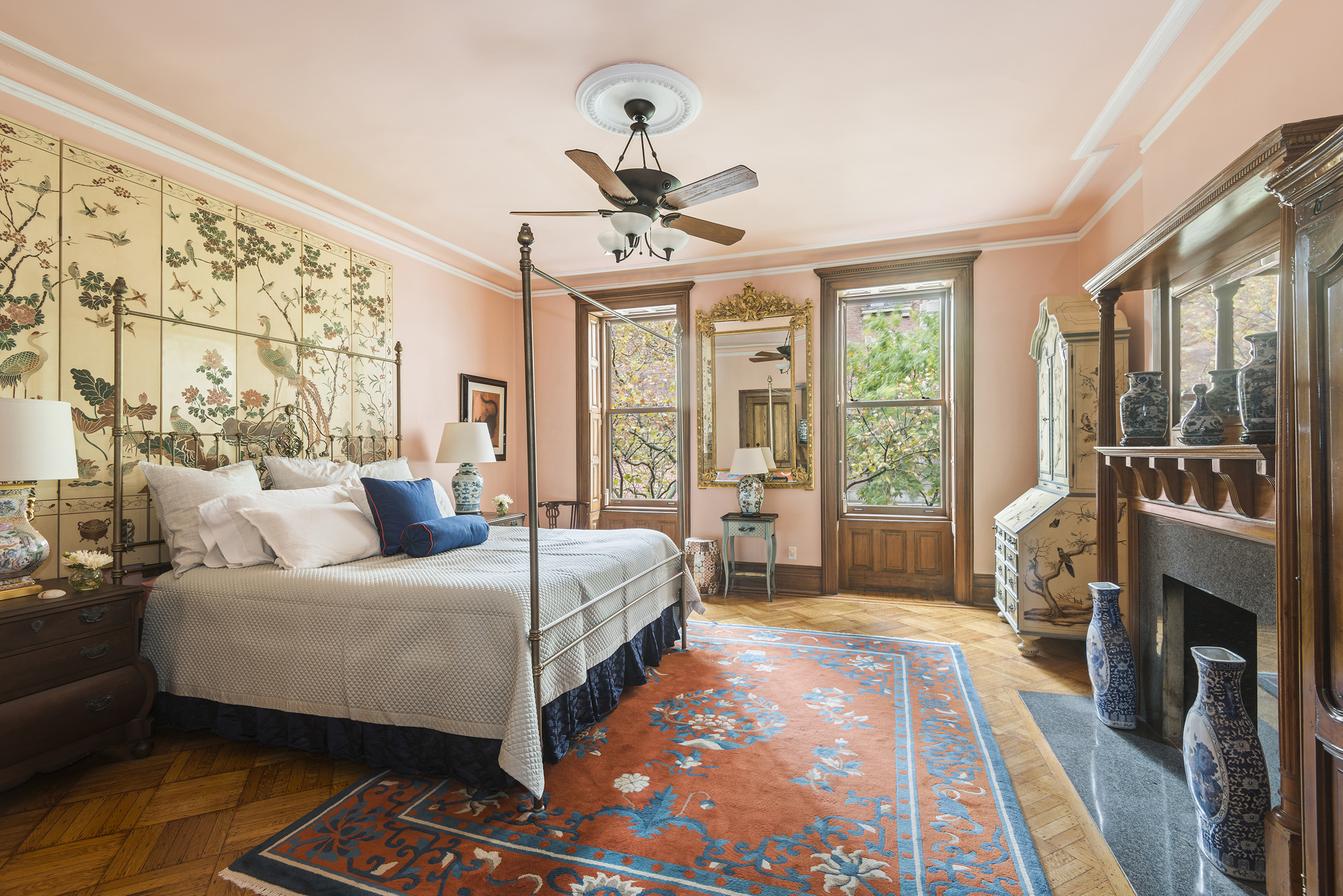 131 West 69th Street: Luxury Upper West Side townhouse master bedroom