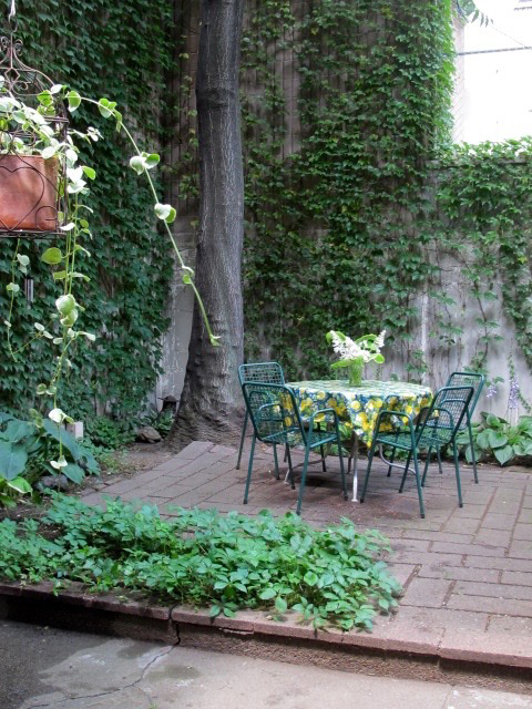 Luxury Upper West Side Townhouse garden: 71 West 89th Street