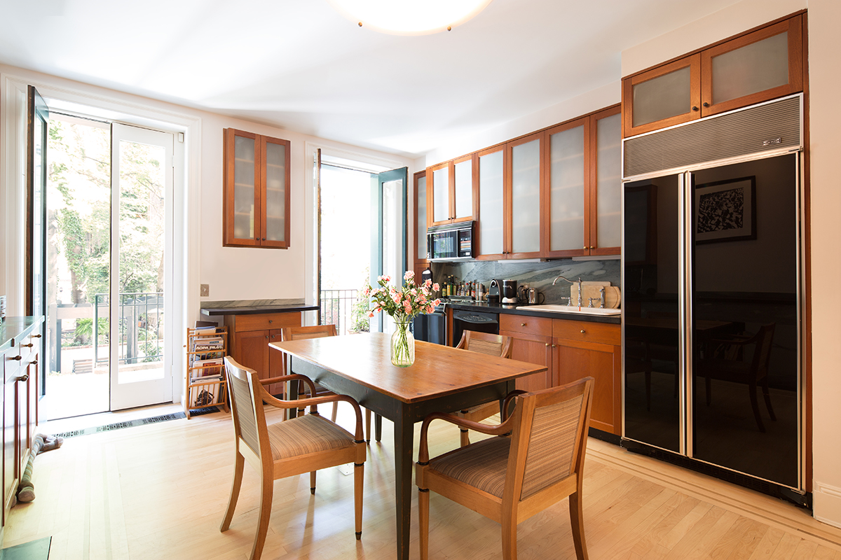 Luxury Townhouse for sale in Chelsea: 483 West 22nd Street