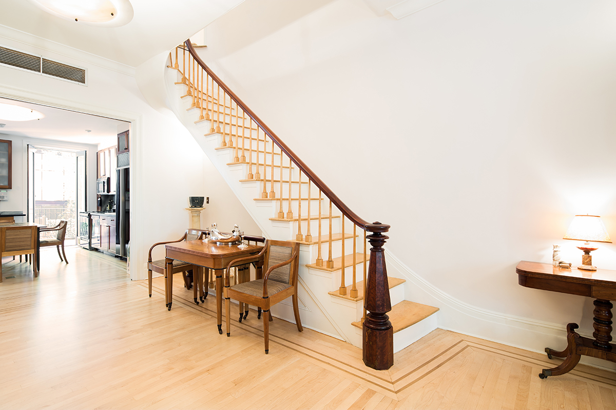 Townhouse for sale in Chelsea: 483 West 22nd Street