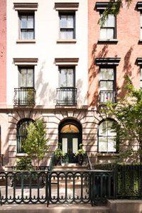 483 W 22nd Street