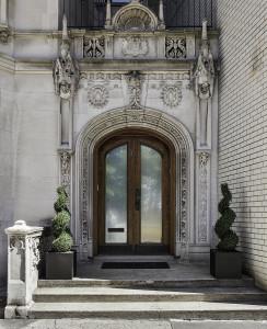 3 Riverside Drive: front door