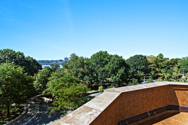 3 Riverside Drive-Hudson View